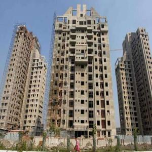 Know the difference between builder and resale price in Noida, Greater Noida