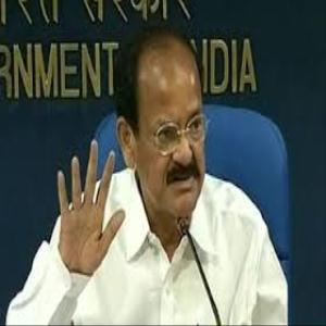 Shri M.Venkaiah Naidu stresses on proper exhibition, showcasing, advertising and marketing of renowned brands of India